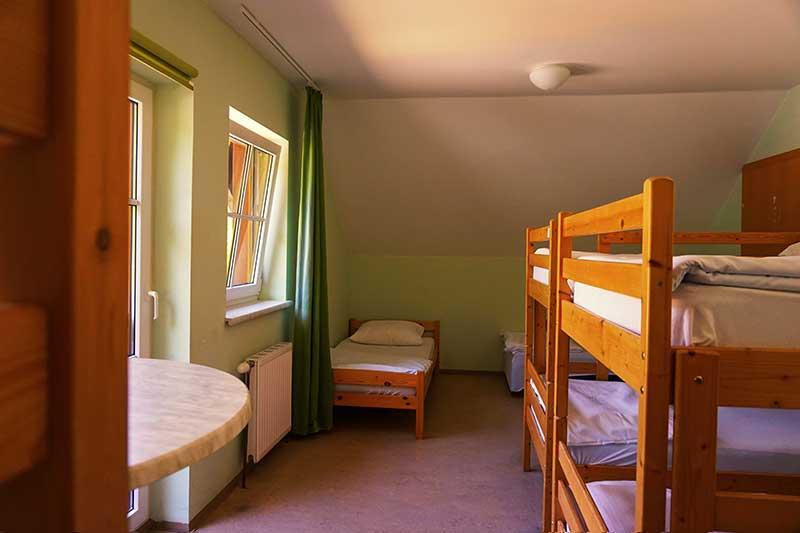 Bettenlager groß