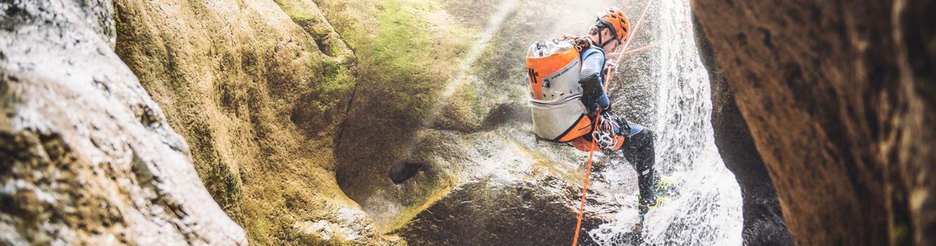 Canyoning mit Deep Roots Adventures